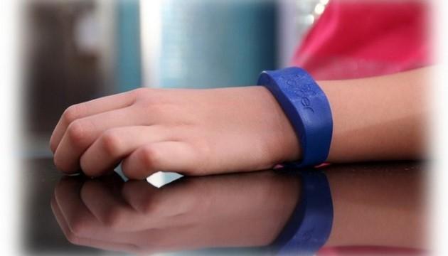 Створено «розумний» браслет для дітей-алергіків