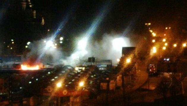 В Донецьку горіли торгові ряди біля Критого ринку