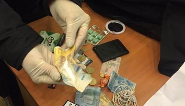 В Одесі інспектор поліції попався на торгівлі амфетаміном