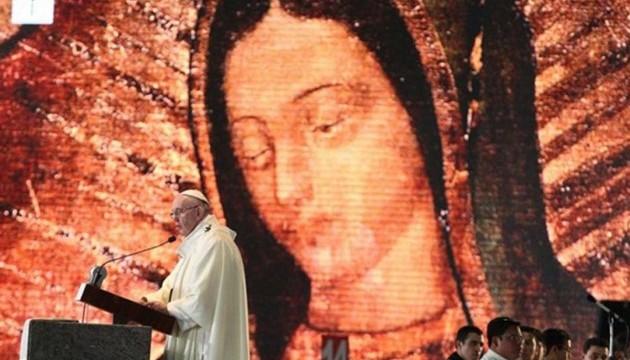 Папа Римский отслужил мессу в Мехико