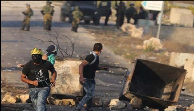 Півсотні палестинців постраждали у сутичках в Газі