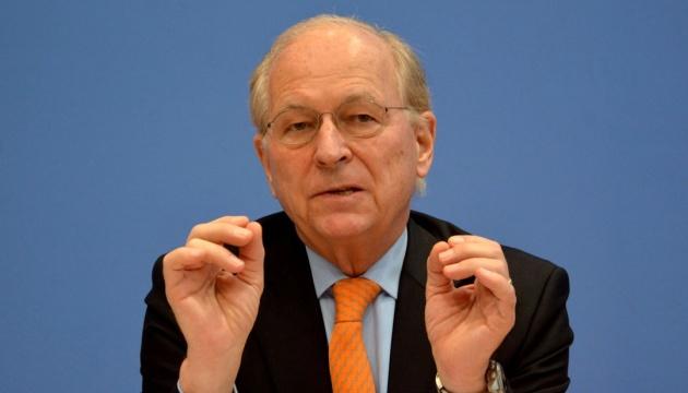 """Ишингер: Убежден, что США и ЕС должны быть на """"минских"""" переговорах"""