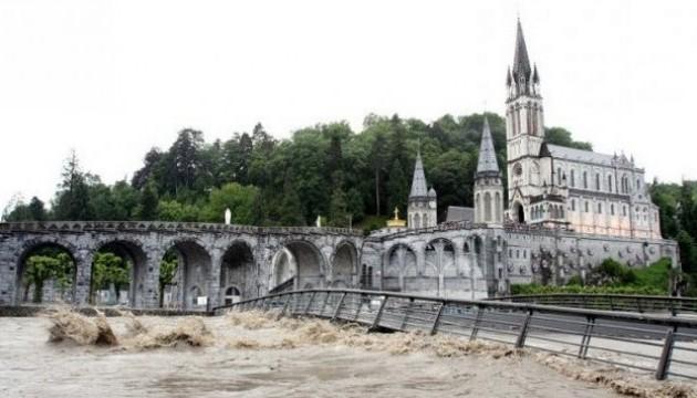 Франции угрожают масштабные наводнения