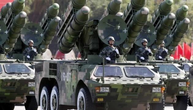 Китай разместил ракетные комплексы на спорных островах в Южно-Китайском море