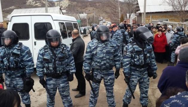 У Криму окупанти обшукують і допитують навіть дітей - Меджліс