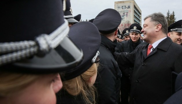 Порошенко у Вінниці: Дякую Деканоїдзе за поліцейських