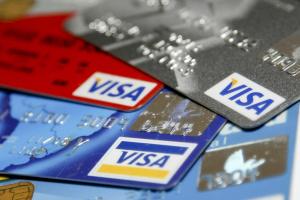 """Банки компенсуватимуть втрати жертвам шахрайств із """"кредитками"""""""