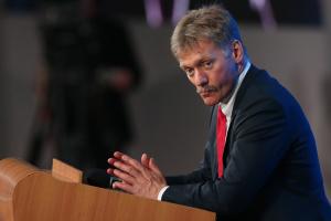 """По итогам нормандского саммита могут принять """"необязывающий"""" документ — Песков"""