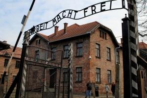 Річницю визволення в Аушвіці відзначать понад 200 його колишніх в'язнів