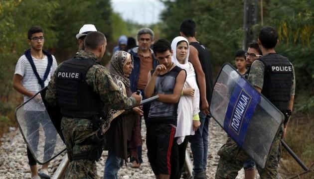 Поліція Македонії виявила у вантажівці півсотні нелегальних мігрантів