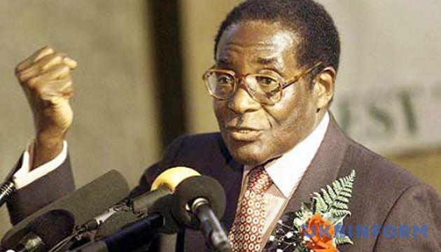 Президент Зимбабве отказывается уходить в отставку - СМИ