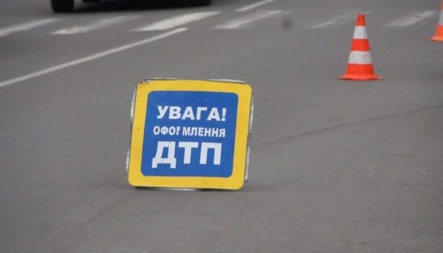 На Рівненщині вантажівка розтрощила мінівен: троє загиблих