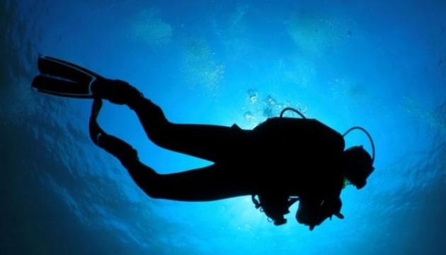 В Запорожье водолазы устроили подводный субботник