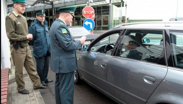На кордоні з Польщею застрягли 700 авто