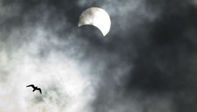NASA опублікувала повне сонячне затемнення