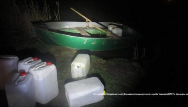 Контрабандисти перли через лиман 2000 літрів спирту