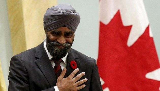 Канада готова подписать оборонное соглашение с Украиной в ближайшее время, - министр обороны Саджан - Цензор.НЕТ 4170