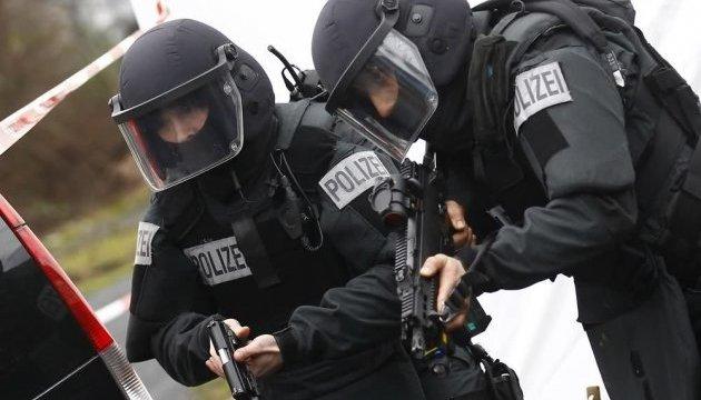 У Німеччині затримали двох підозрюваних у підготовці нападу на торговельний центр