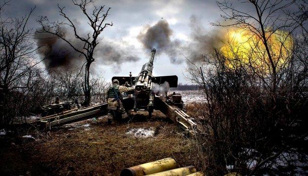 Бойовики тримають важке озброєння на лінії фронту