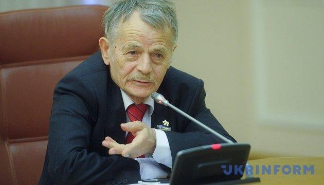 Джемілєв сказав, чому санкції послабляти не можна