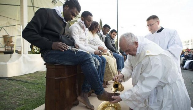Папа Римський приїхав на Лесбос зустрітися з біженцями