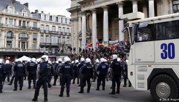 Поліція затримала десятьох агресивних молодиків після протестів у Брюсселі