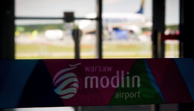 У варшавському аеропорту вночі шукали вибухівку