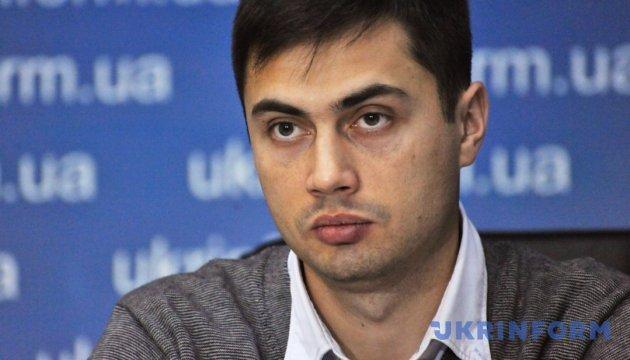 Бойовики вибивають зізнання із блогера Васіна та шантажують його матір - Фірсов