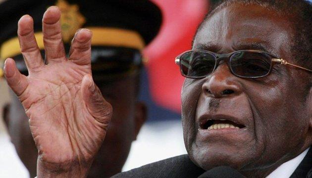Президента Зимбабве посадили под домашний арест