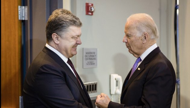 Poroshenko, Biden discuss situation in Donbas and extension of sanctions against Russia