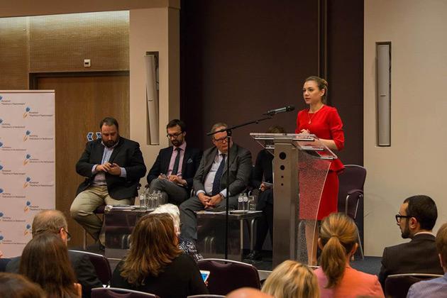 Дискусія у Гаазі.  Фото: посольства України у Нідерландах