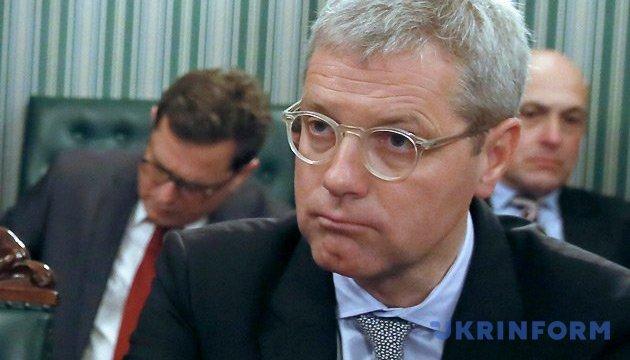 Соратник Меркель розкритикував намір Шредера працювати в
