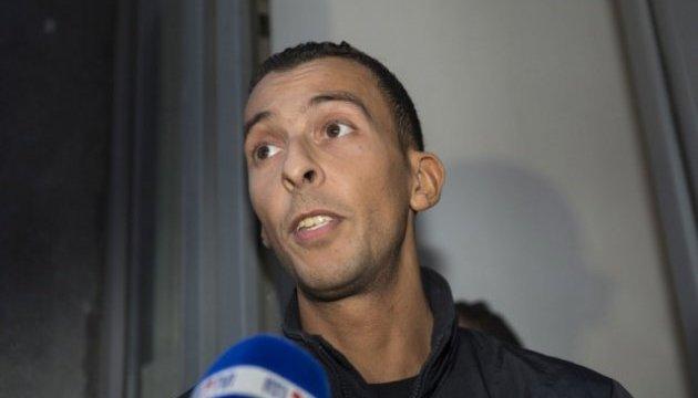 Парижские теракты: обвиняемый отказывается говорить в суде
