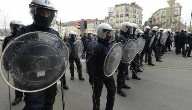 Антиісламістський мітинг у Брюсселі: у поліцію летіло каміння і сміття
