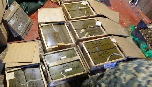 У київському гаражі знайшли цілий арсенал