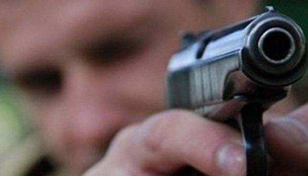 У Києві озброєні невідомі відібрали у чоловіка 160 тисяч