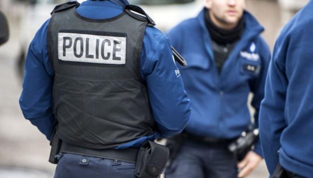 """У Парижі """"жовті жилети"""" кидали каміння у поліцію, затриманих — вже 223"""