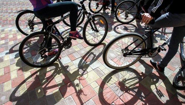 Эксперимент Киевавтодора: велодорожки на полосах общественного транспорта