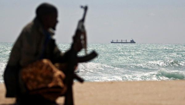 Пираты захватили украинца у берегов Бенина – МИД