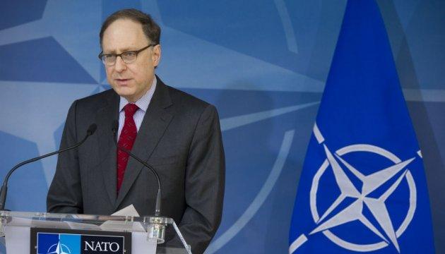 НАТО готове прийняти заявку України на членство - Вершбоу