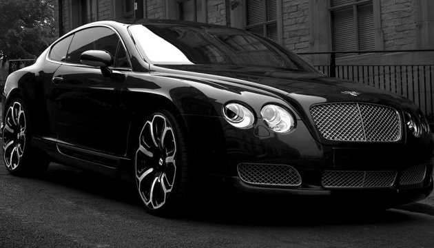 У центрі Москви Bentley Continental викрали разом із власницею