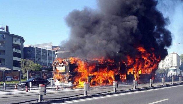 У центрі Стамбула вибухнув автобус - ЗМІ
