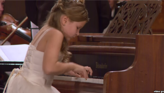 10-year-old pianist from Crimea wins international competition
