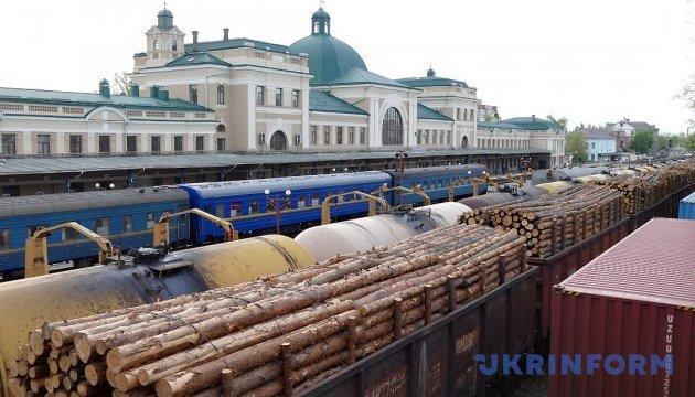 Балчун і профспілки досягли згоди щодо тарифів на вантажні перевезення