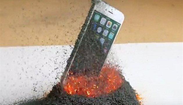 iPhone 6s випробували палаючою лавою