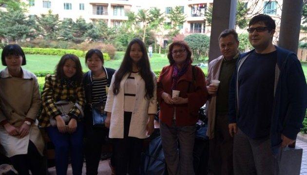 Українці в Шанхаї поділилися досвідом з українськими студентами