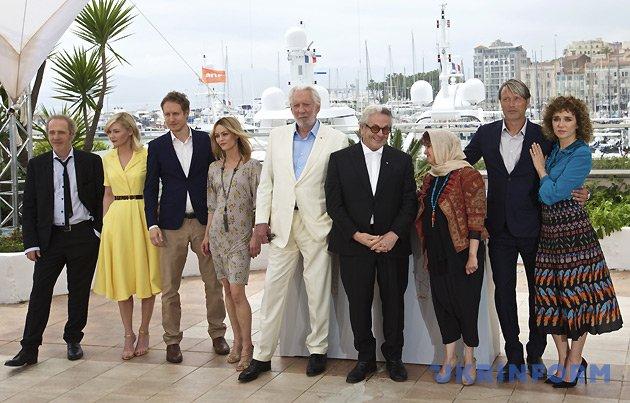 Члени журі на чолі із австралійським режисером Джорджом Міллером (четвертий праворуч) / Фото: Укрінформ