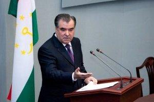Президент Таджикистану заявив про перемогу над коронавірусом у країні