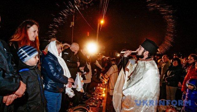 Православні і греко-католики святкують Великдень