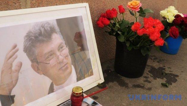 У Москві меморіал Нємцова руйнували двічі за 12 годин